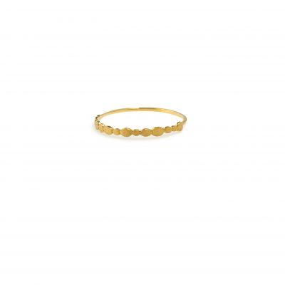 """Pebbles -  - Χρυσό δαχτυλίδι με μικρά """"βοτσαλάκια"""" περιμετρικά. Kαθημερινό & minimal για κάθε περίσταση! Προτείνουμε να φορεθεί μαζί με περισσότερα δαχτυλίδια.  Υλικό: Χρυσό 14κ"""