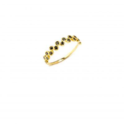 Flowers ring -  - Εντυπωσιακό δαχτυλίδι με δύο σειρές από μαύρα ζιργκόν στην μπροστινή πλευρά που δίνουν την αίσθηση λουλουδιών!  Υλικό: Χρυσό 14κ με μαύρα ζιργκόν