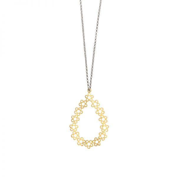 Ladybug necklace -  - Signature design της Μάγιας! Ένα ασημένιο επιχρυσωμένο μακρύ κολιέ που οι πλέξεις του σχηματίζουν λουλούδια! Υλικό: Ασημένιο επιχρυσωμένο 925 με ασημένια οξειδωμένη αλυσίδα