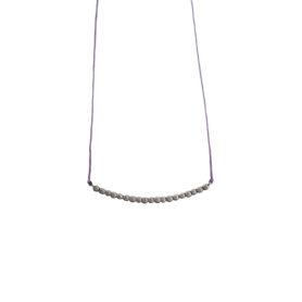 Pebble Necklace -  - Ασημένιες οξειδωμένες πετρούλες πάνω σε κορδονάκι μπλε ή μωβ. Ένα καθημερινό κόσμημα που θα μπορείτε έυκολα να ταιριάξετε με ό,τι άλλο φοράτε!  Υλικό: Ασημένιες οδειδωμένες πέτρες σε κορδονάκι