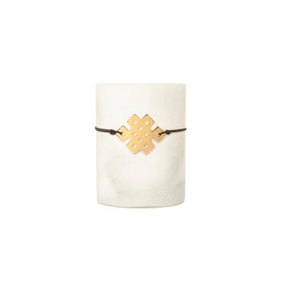 Lucky Squares Bracelet Gold -  - A square symbolizes strength and stability! In this year's design, one can distinguish the eights used to form a rhombus, a symbol of completeness for a year full of strength, stability and wholeness in all our relationships!  An easy-to-wear bracelet that holds a special meaning, which you'll end up wearing all year long!  Material: White metal dipped in gold, black gold or pink gold. It comes with a colored string. Pick between: black, gray, brown, dark red, beige string.