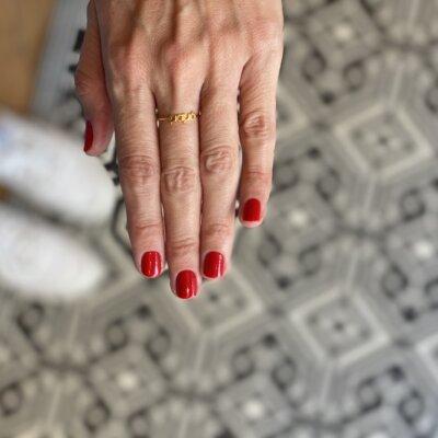 Μαμά Ring -  - Το χρυσό 14κ δαχτυλίδι ''μαμά'' είναι κομψό και στυλάτο όπως κάθε μαμά! Είναι λιτό και κομψό για να κάνει την κάθε σου εμφάνιση ξεχωριστή και να γεμίζεις από υπερηφάνεια που είσαι μητέρα!  Υλικό Χρυσό 14κ