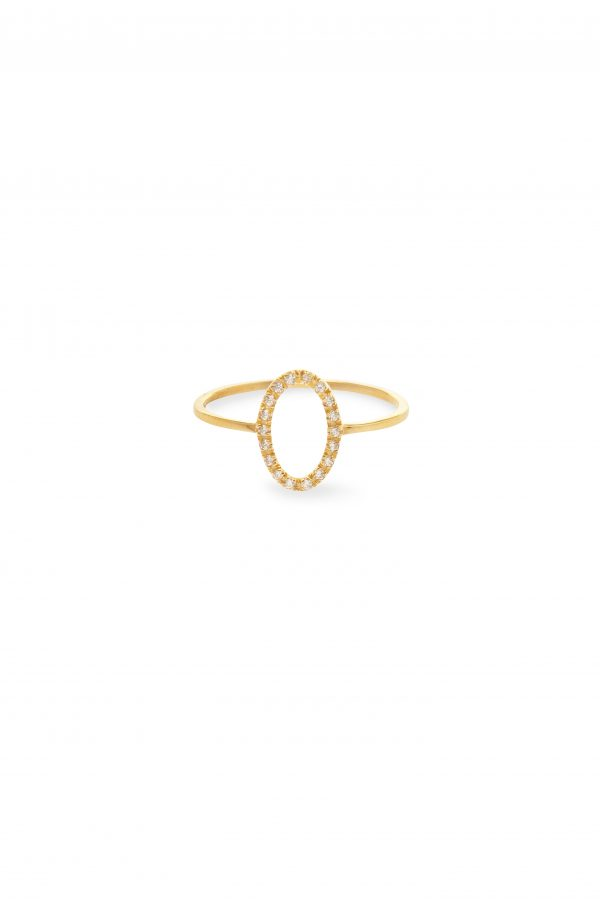 Oval ring -  - Η κομψότητα της σχεδιάστριας βρίσκεται στις λεπτομέρειες! Το ''oval'' είναι ένα χρυσο 14κ δαχτυλίδι με λευκά ζιργκόν και οβάλ σχήμα. Ένα κόσμημα χωρίς υπερβολές, διαχρονικό και elegant θα εντυπωσιάσει σε κάθε περίσταση!  Υλικό Χρυσό 14κ, λευκά ζιργκόν