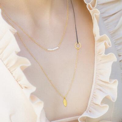 Twist leaf necklace -  -