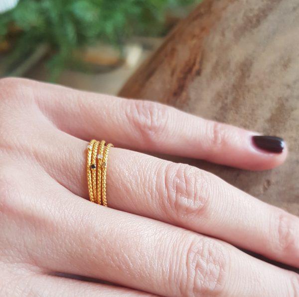 Twisted Diamond Rings -  -