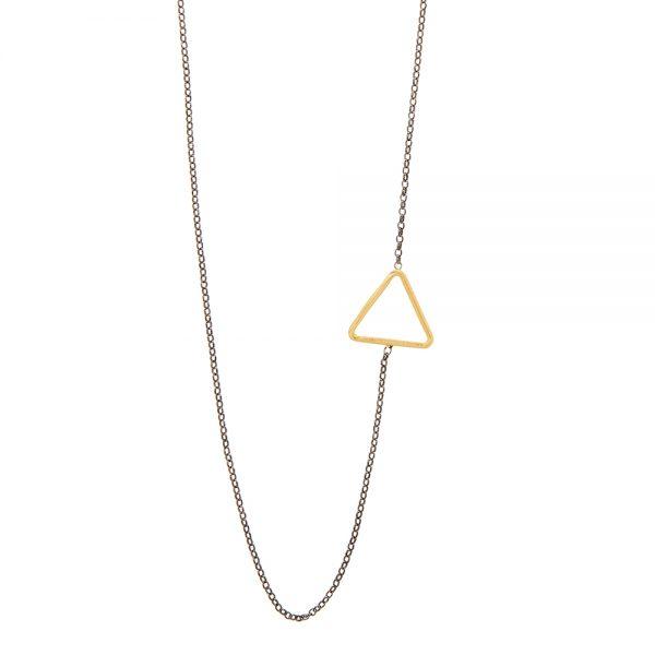 Sideways Necklace -  - <div>Απόλυτα γεωμετρικό κολιέ με χρυσή 14κ λεπτομέρεια στο πλάι. Η ασημένια 925 οξειδωμένη αλυσίδα είναι το τέλειο contrast για κάθε περίσταση! Όμως μπορείς να επιλέξεις και τη χρυσή 14κ αλυσίδα για ακόμα πιο λαμπερό αποτέλεσμα! Μη διστάσεις να το συνδυάσεις με μικρότερα κολιέ ή και και μεγαλύτερα όπως το daisie, το cube , το gold pearl ή ακόμα το iokasti. Με μινιμαλιστική διάθεση και λιτή γραμμή είναι ένα κόσμημα που σίγουραθα γίνει το αγαπημένο σου καθημερινό κομμάτι!</div>