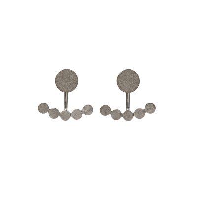 Marshmallow Earrings -  - Μοντέρνα σκουλαρίκια σε ασημένιο 925 επιχρυσωμένο και οξειδωμένο σχέδιo. Με τον πρωτότυπο και πολυμορφικό τους χαρακτήρα ,θα αναδείξουν το στυλ σου δίνοντας ένα εντυπωσιακό αποτέλεσμα αλλά και ένα πιο ήσυχο αν θέλεις να τα φορέσεις και στην πιο μίνιμαλ εκδοχή τους που είναι δύο κύκλοι. Απόλυτα γεωμετρικό για κάθε περίσταση.  Yλικό: Ασήμι 925 οξειδωμένο ή επιχρυσωμένο